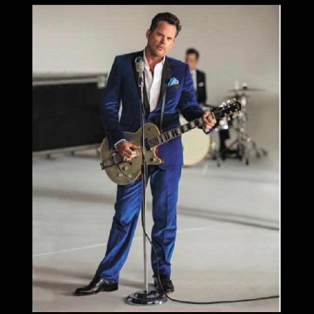 Gary Allan Blue Suit 8x10
